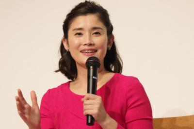 石田ひかりに娘が2人いる?小学校は清泉?写真は?現在の住まいはどこ?